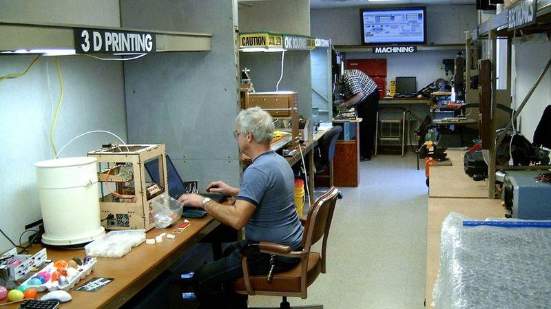 Maker-station-interior_wide Fort Wayne Allen Co Lib